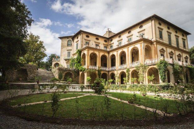 ADSI.Firenze colline.Villa di Striano 620x413 - 100 DIMORE TOSCANE APRONO AL PUBBLICO CORTILI E GIARDINI