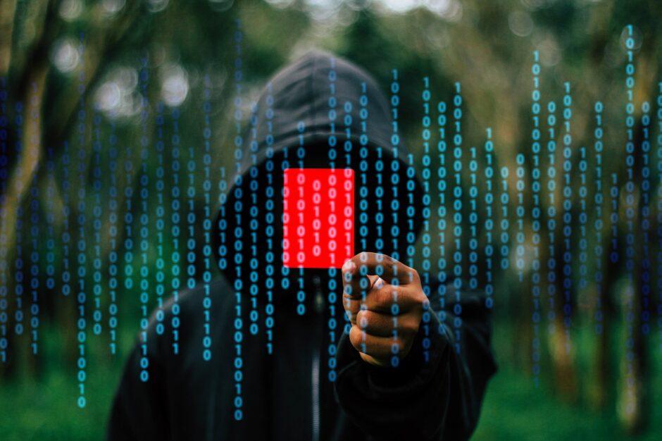 reati informatici 940x626 - Reati informatici: Creazione di un account di posta elettronica con falsa identità